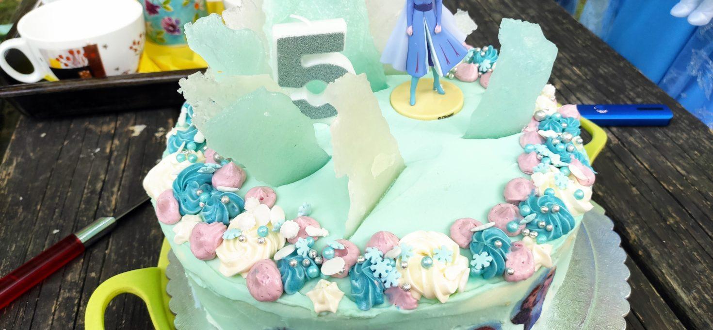 Narozeninový dort s Elsou